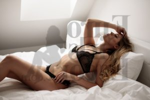 Maria-paula incall escort in Crystal Lake IL