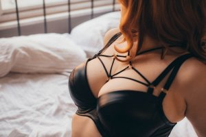 Karyne sex club in Nixa, live escort