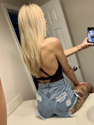 Cayla sex guide in Reading PA, outcall escort