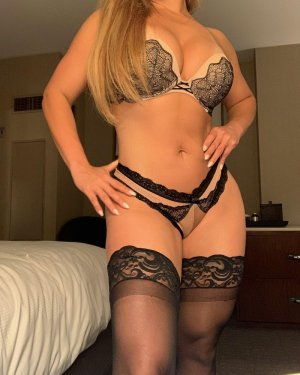 Sirah outcall escort in Merced