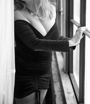 Lise-berthe adult dating, hook up